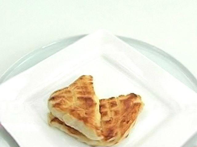 Рецепт пирог слоеное тесто ветчина сыр